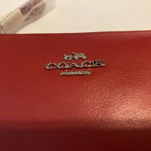 COACH NOLITA WRISTLET 15 IN LEATHER, Red